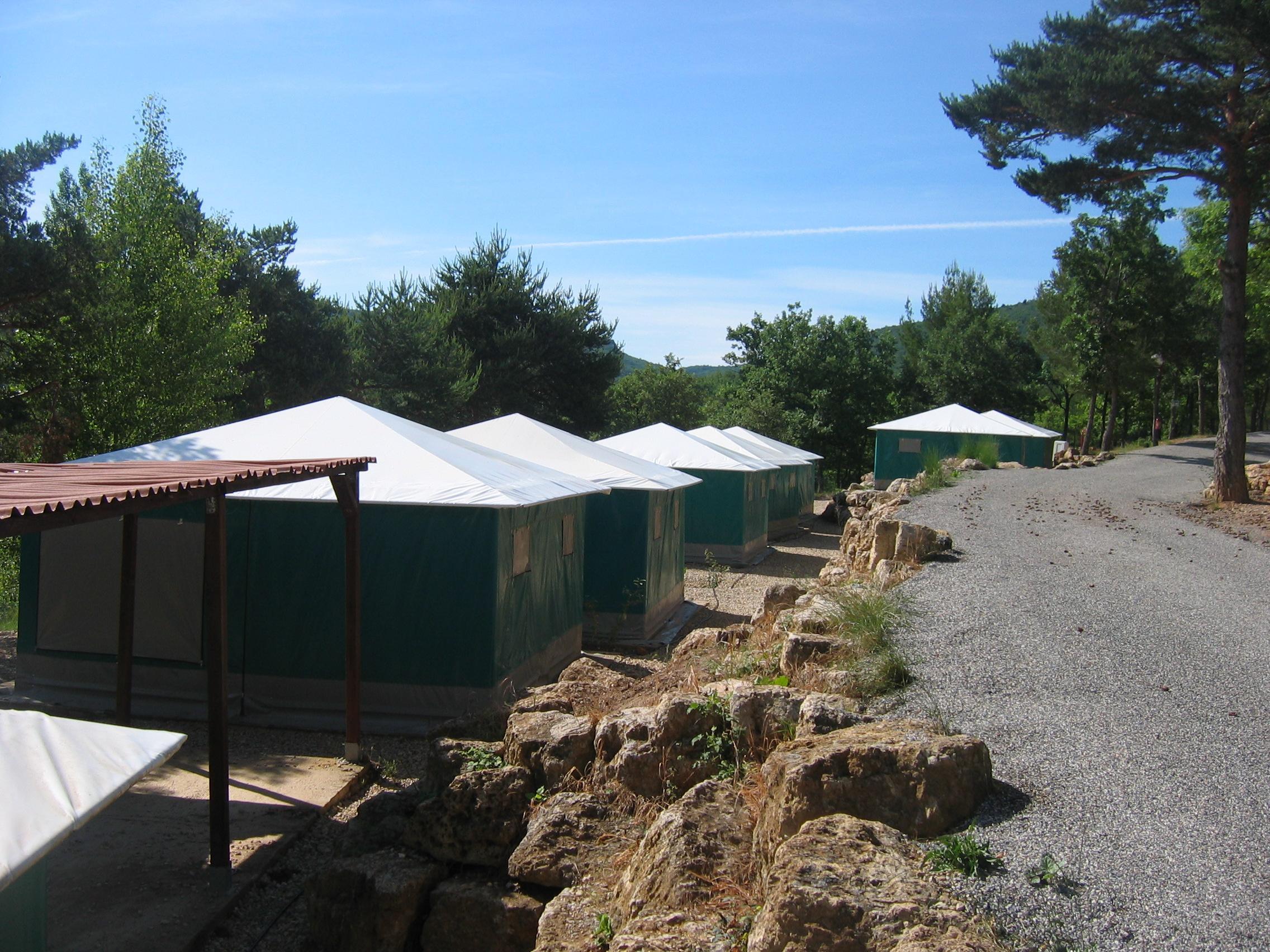 Camping Le Lac à Bauduen - Hébergement 2