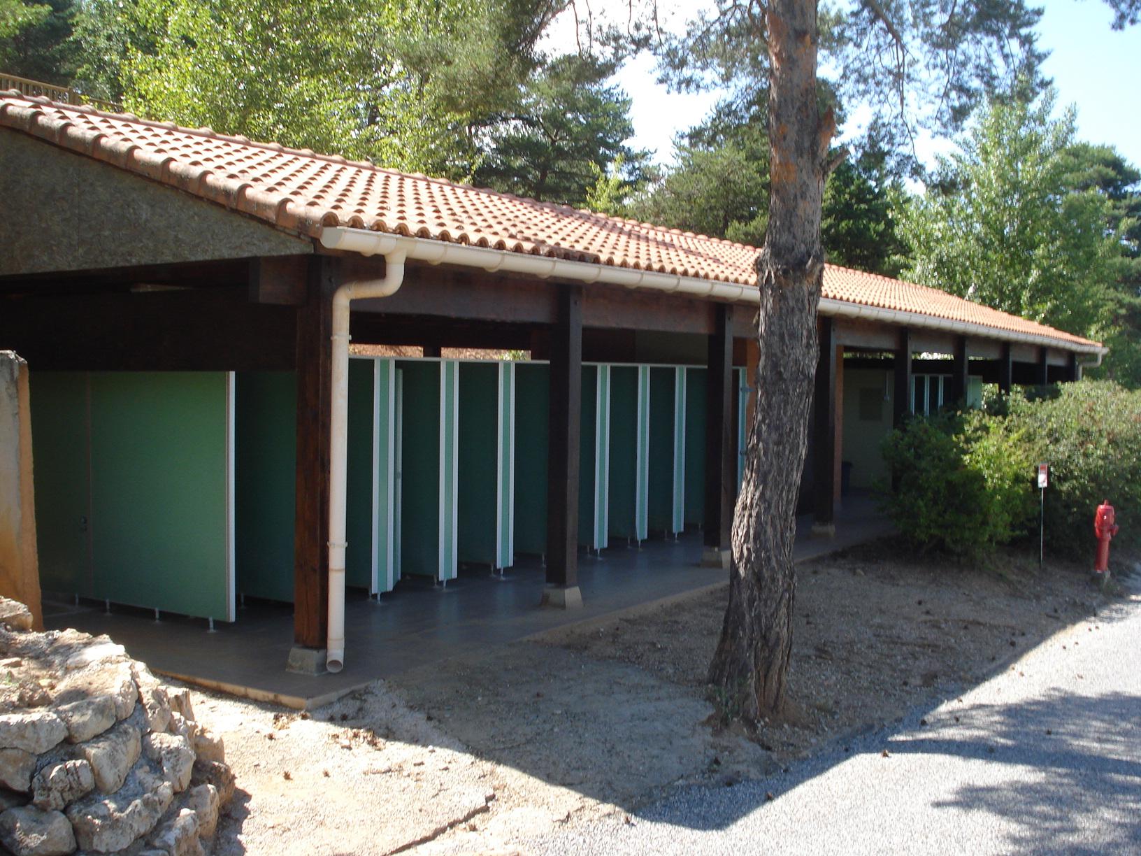 Camping Le Lac à Bauduen - Bloc sanitaire 3 - Copie