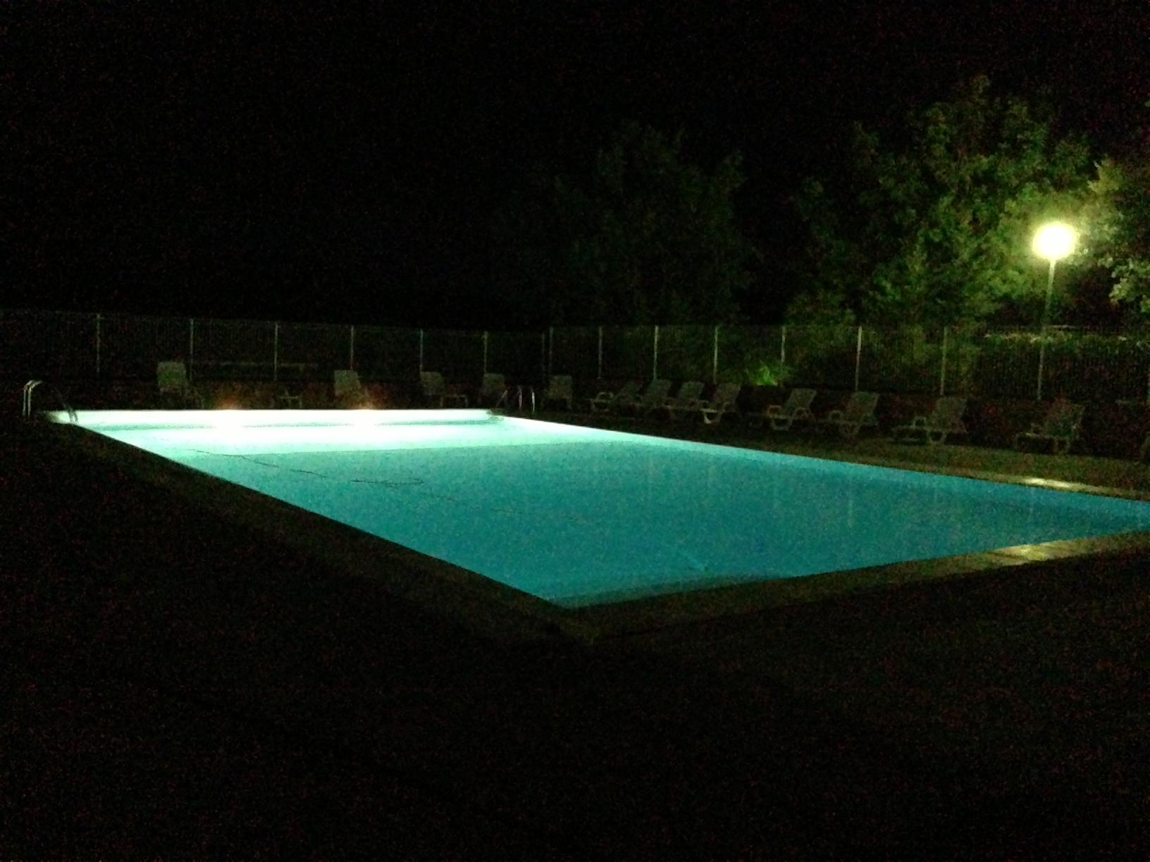 Toute nouvelle piscine au camping le lac pour des for Camping lac leman avec piscine