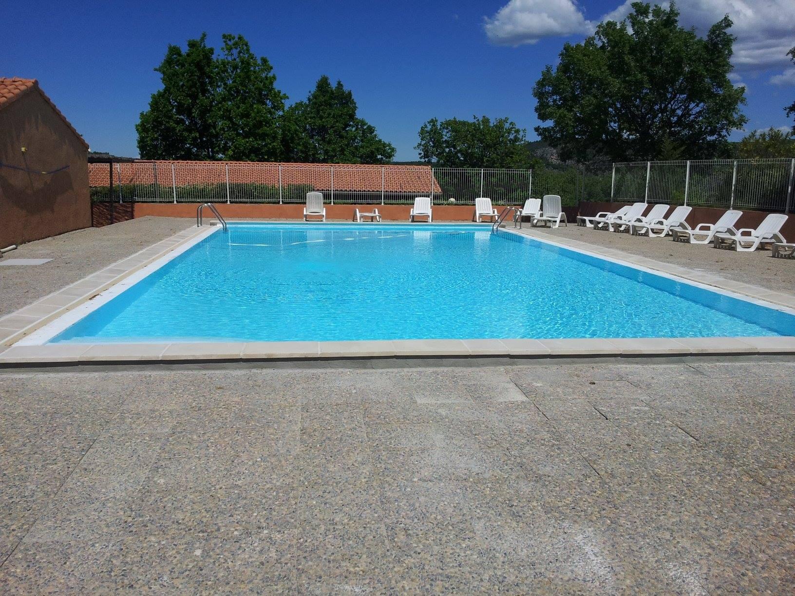 Toute nouvelle piscine au camping le lac pour des for Camping lac du bourget piscine